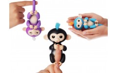 Обезьянка Fingerlings интерактивная.